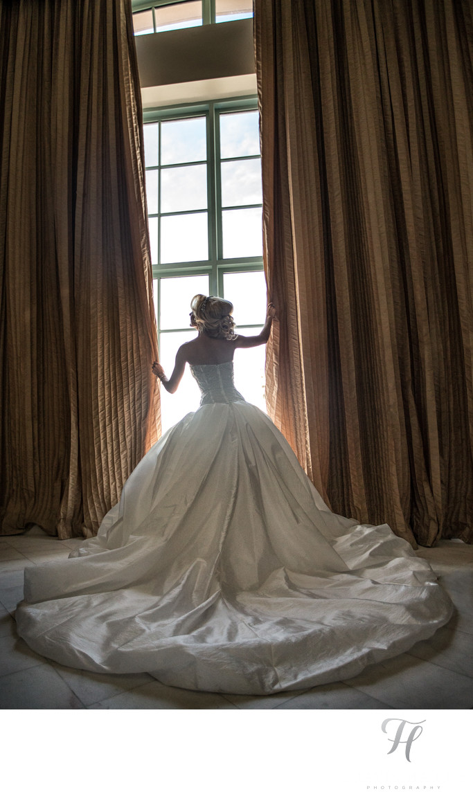 Wedding Photographer for Hotel Colonnade