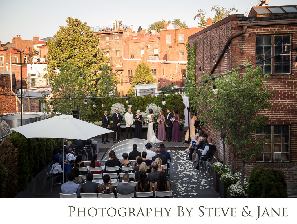 September wedding at Fathom Gallery DC