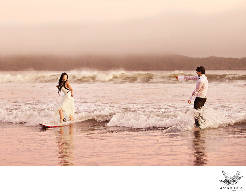 Surfing wedding couple photo