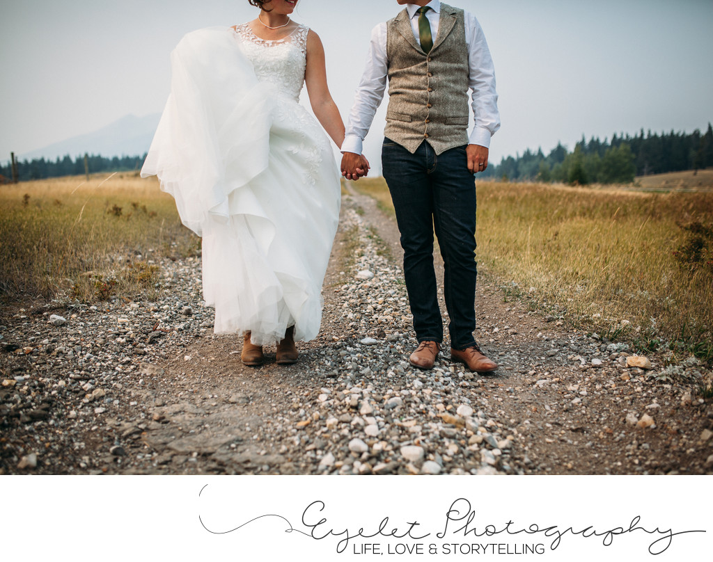 Croswnest Pass Wedding Photography Bride & Groom Hand Holding