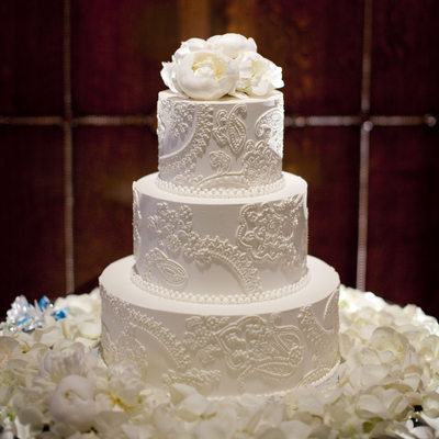 Wedding Cake with Intricate Henna Patterns