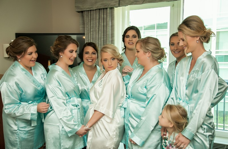 Bride with bridesmaids, Hampton Inn Riverplace