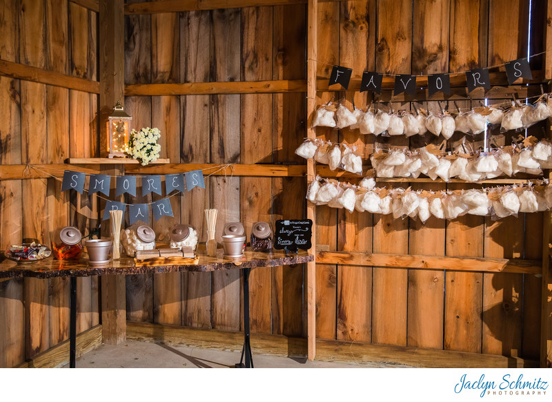 Smores bar wedding dessert ideas