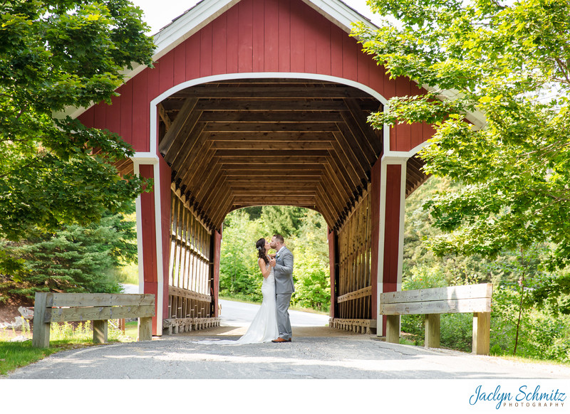 Red covered bridge wedding photos VT