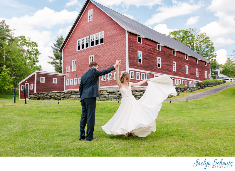Skinner Barn Wedding Photos
