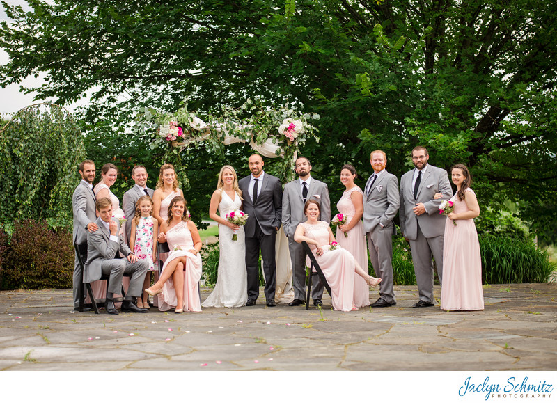 Large wedding party photo ideas