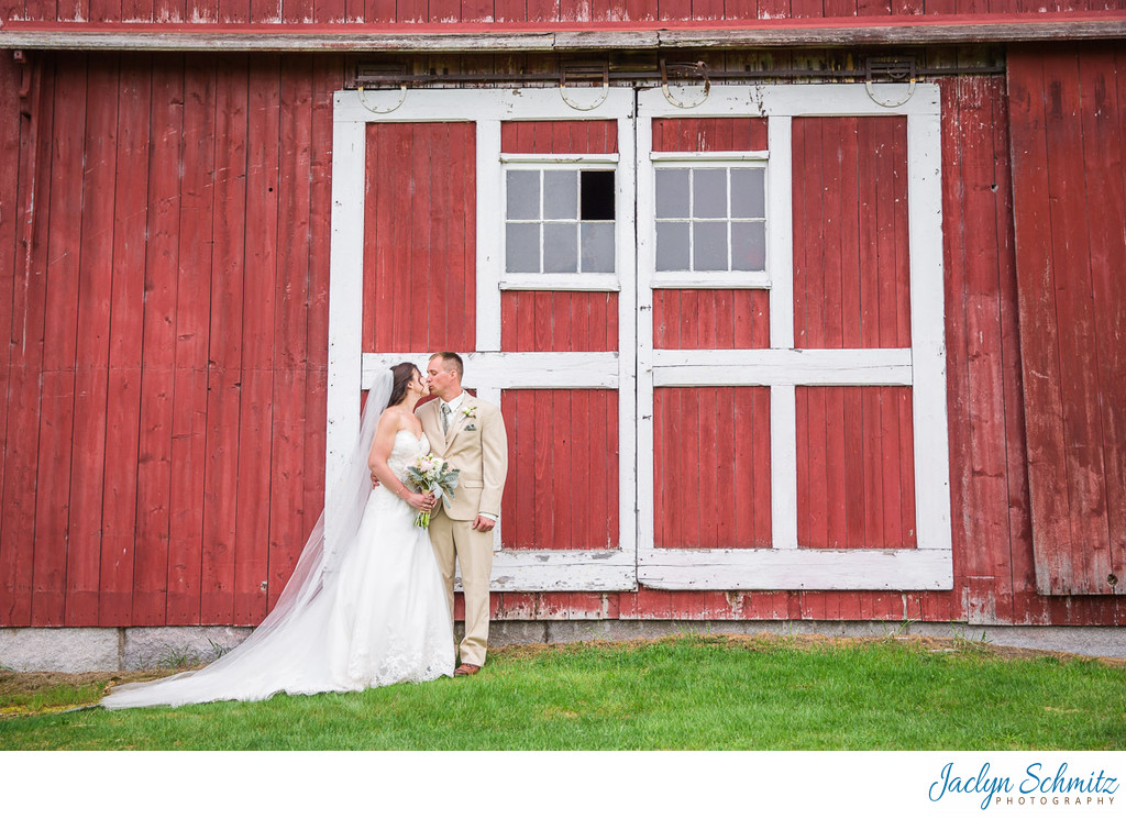 Red wedding barn photos Vermont