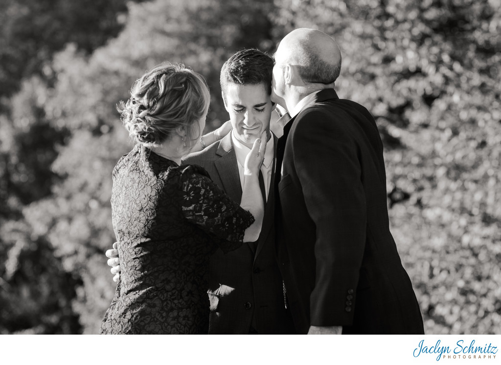 Emotional candid wedding photos Indiana