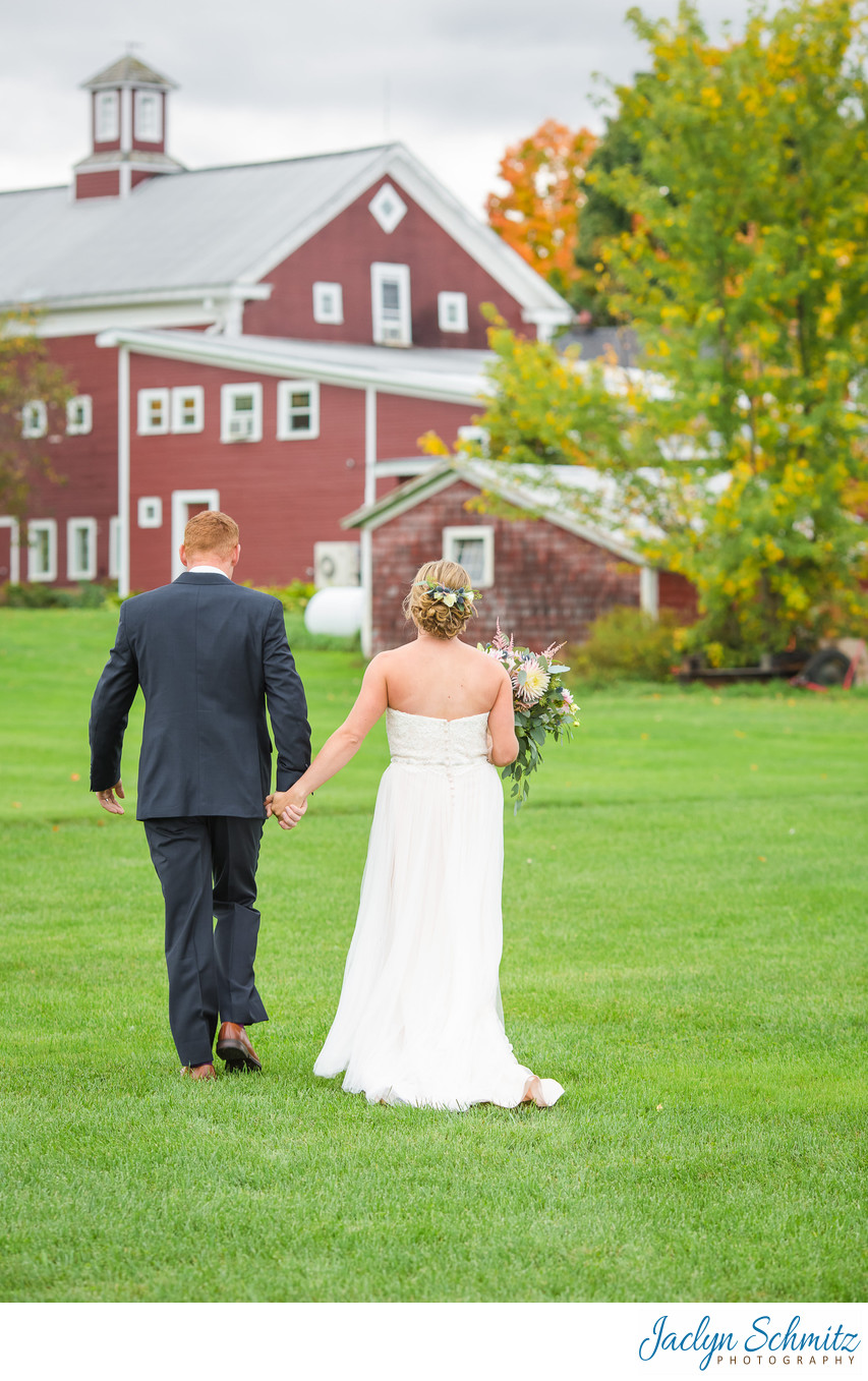 Red barn wedding photos VT