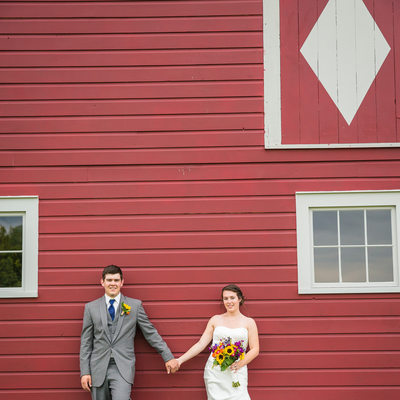 Red barn wedding portraits VT
