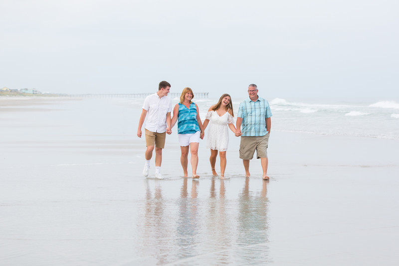 Bright Family Photos at Topsail Beach