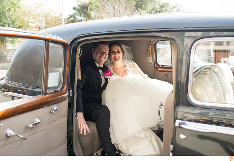 Best wedding photos in an old car at Epping Forest