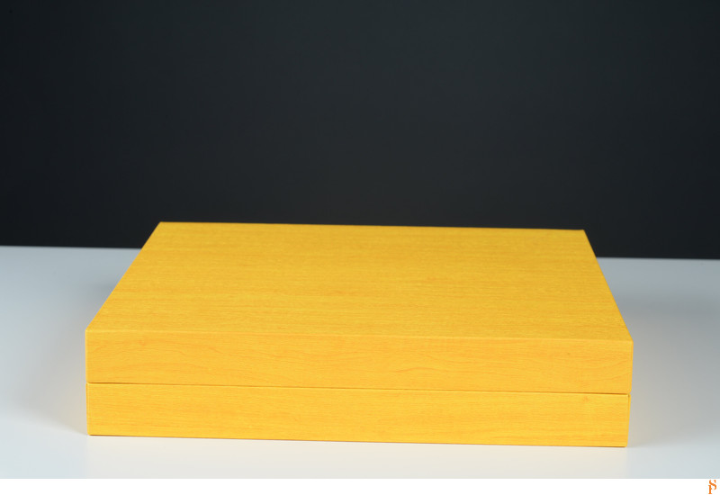 YELLOW BOX FOR A YELLOW AND BLUE WEDDING ALBUM
