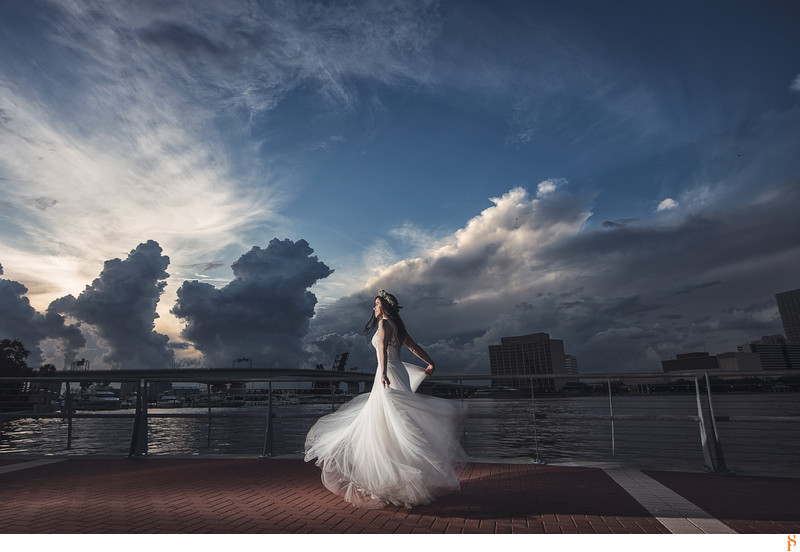 Post wedding session Bride at sunset Downtown Jacksonville