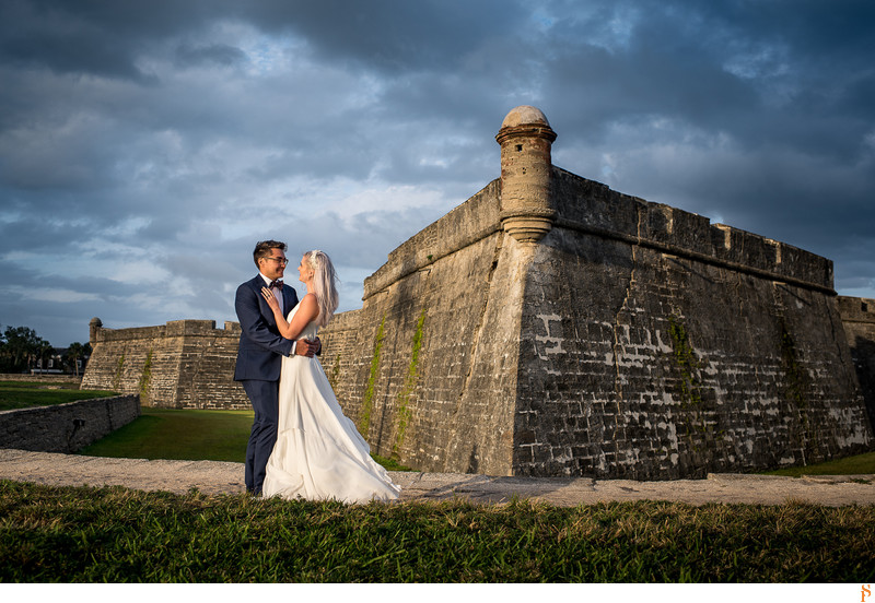 Bride and groom at the Castillo de San Marcos