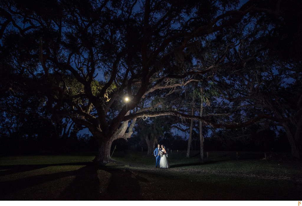 Bride & Groom with the big tree at the Ribault Club, Fort George