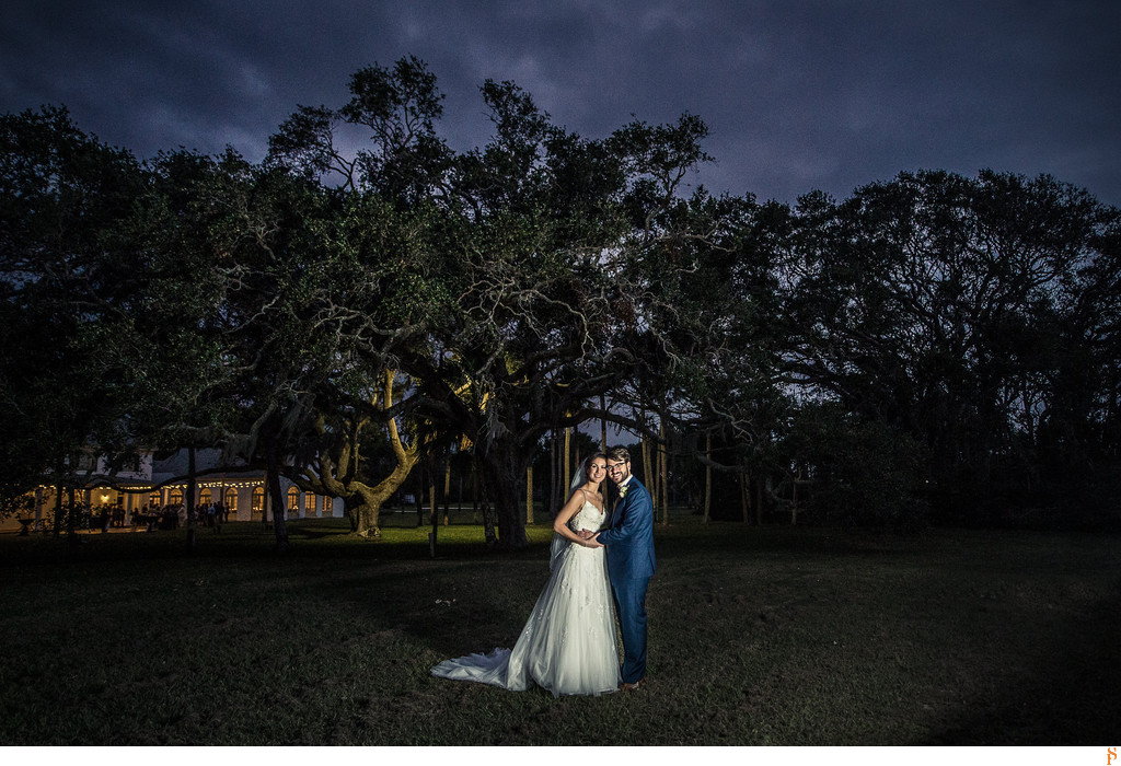 Night picture of bride and groom at the Ribault Club in Fort George