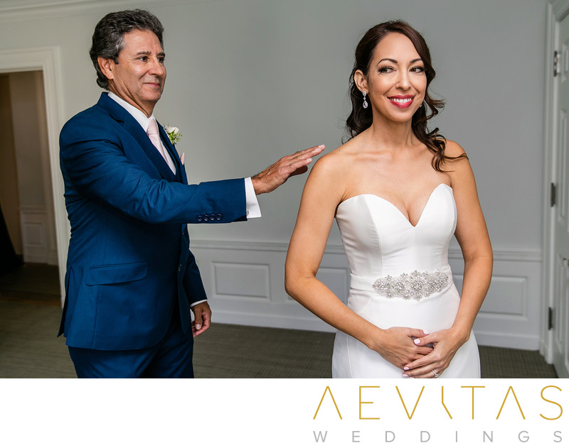 Father taps bride at Santa Monica first look session