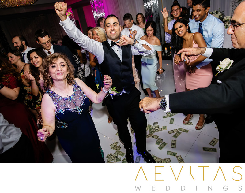 Groom dancing with mom at Armenian wedding in Glendale