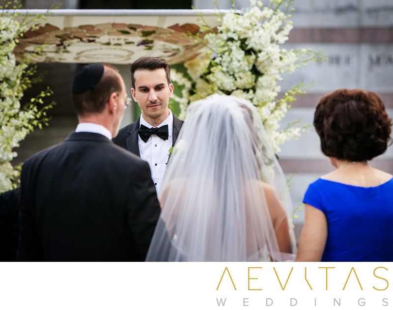 Groom reacts to bride at Skirball Cultural Center