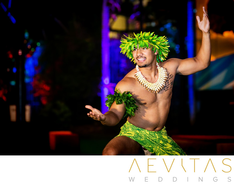 Polynesian dancer at San Diego Zoo wedding reception
