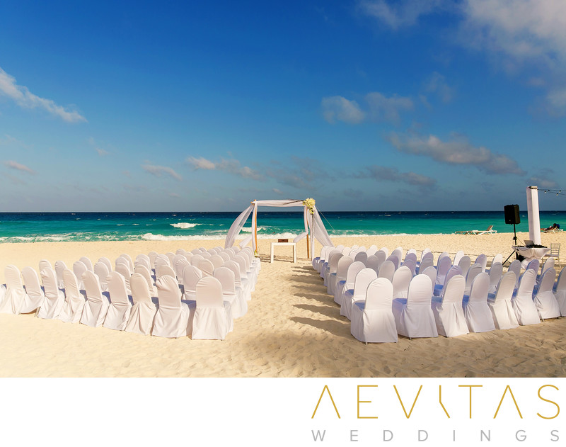 Beach wedding ceremony at Omni Cancun Hotel And Villas