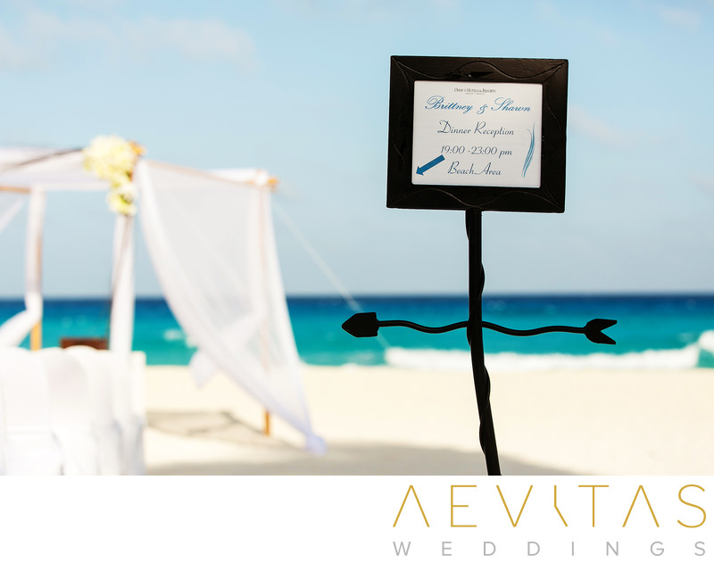 Details shot of sign at Cancun beach wedding ceremony