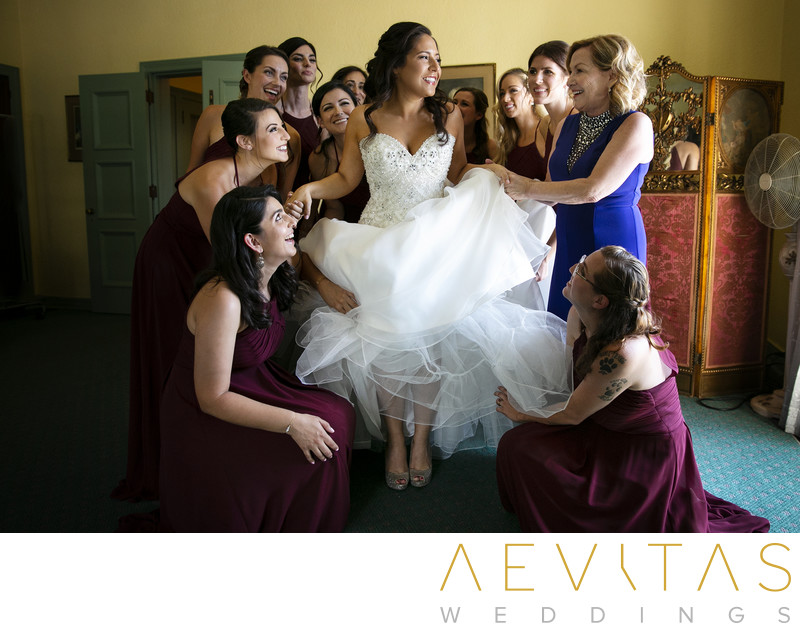 Bride getting ready with bridesmaids at The Ebell LA