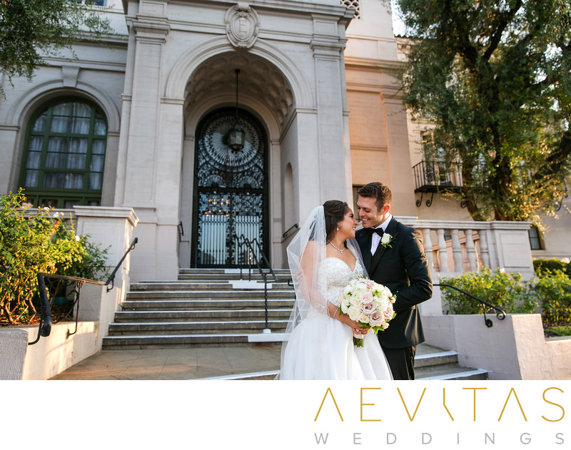 Couple portrait outside Ebell Los Angeles entrance