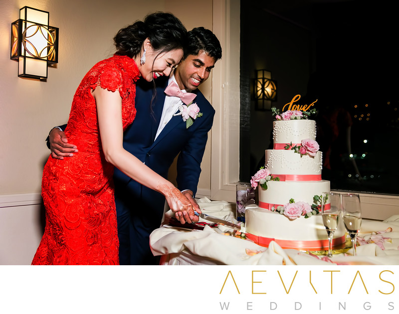 Couple cake-cutting at Mountain Meadows Golf Course