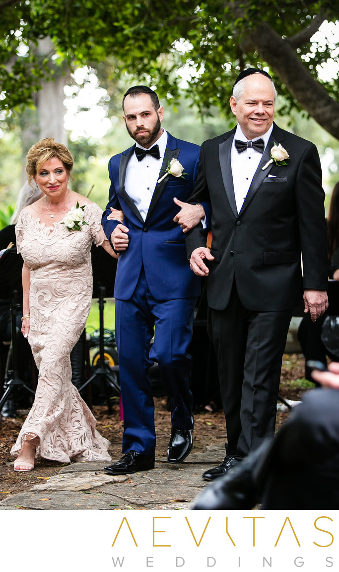 Groom and parents arrive at Villa Del Sol D'Oro wedding