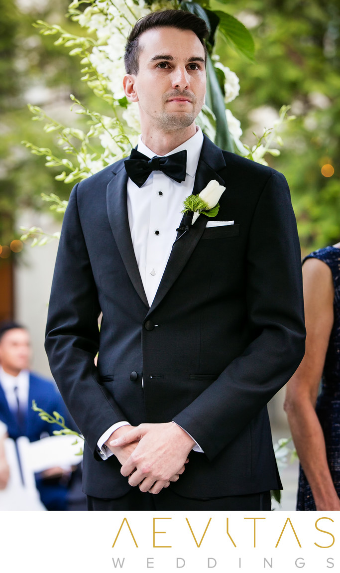 Groom reaction at Skirball courtyard wedding ceremony