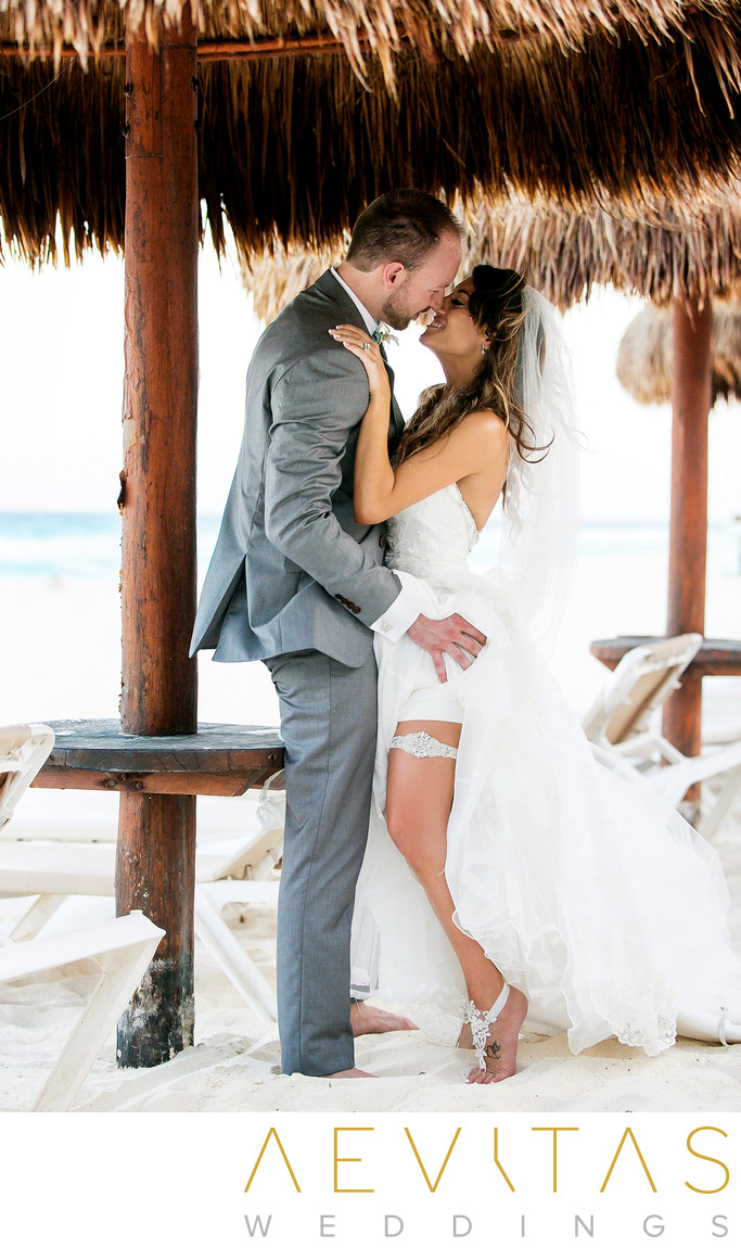 Intimate couple portrait showing garter in Cancun