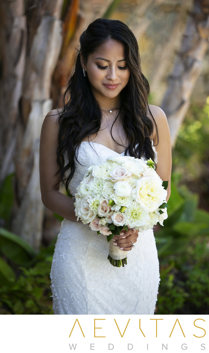 Beautiful bride portrait with bouquet in Los Angeles