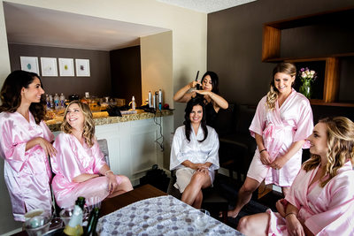 Bridesmaids getting ready at Hilton North Glendale