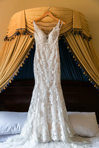 Gorgeous vintage-inspired wedding dress in Los Angeles