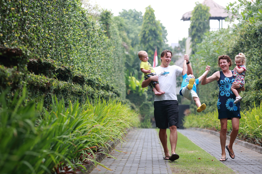 Villa Canggu Family Photographer