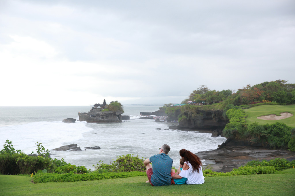 Tanah Lot Family Photographer