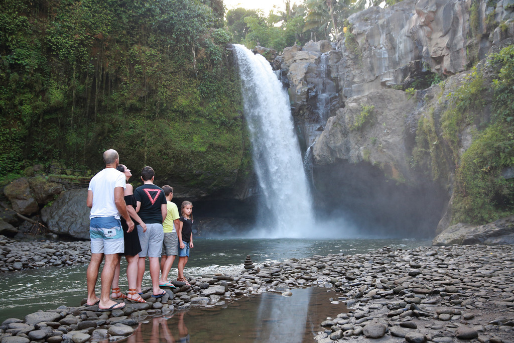Family Photography in Tegenungan Waterfall