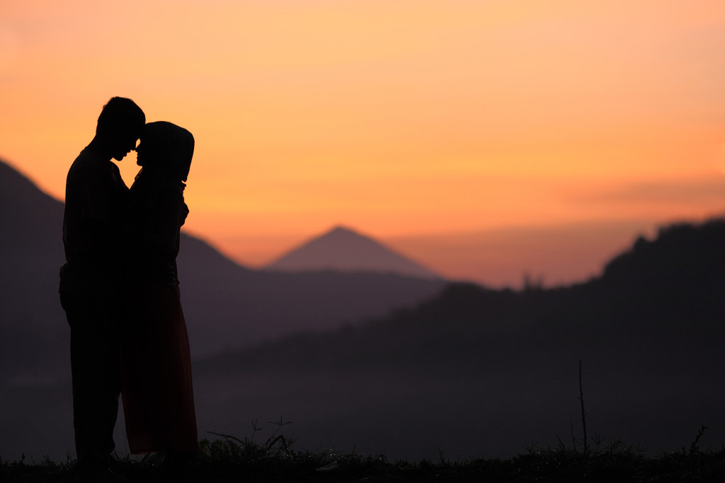 Best Sunrise Honeymoon Photography in Bali