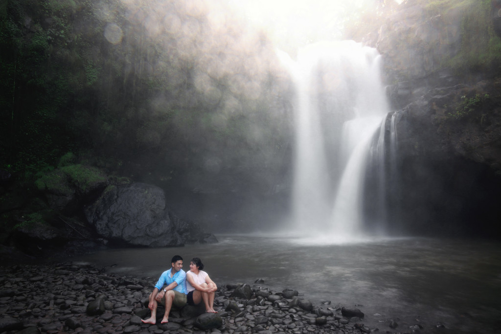 Bali Pre Wedding Photography in Waterfall
