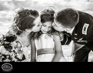 Schüchterne Mädchen küssen sich nackte junge Bilder