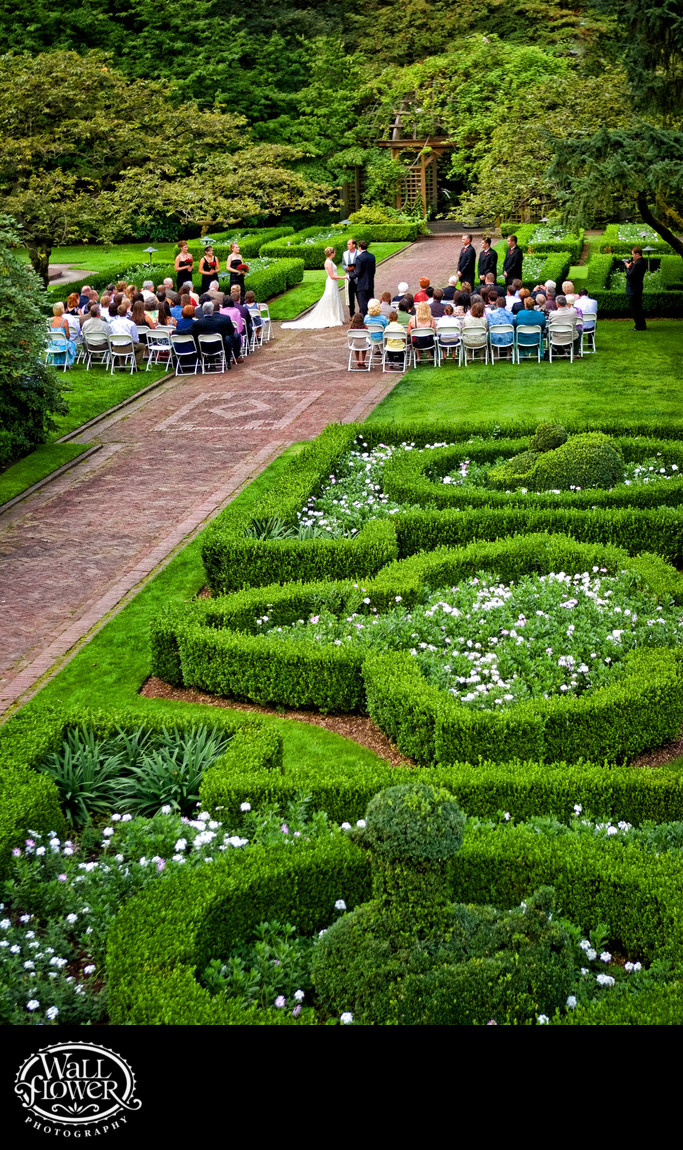 Wedding ceremony on Lakewold Garden brick walkway
