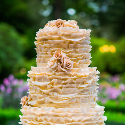 Detail of frilly wedding cake at Lakewold Gardens