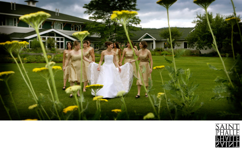 Stoweflake Summer Wedding Bride Bridesmaids In Garden