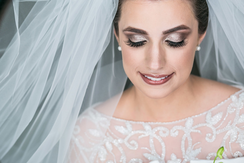 Stunning bride portrait - Wedding Photographer