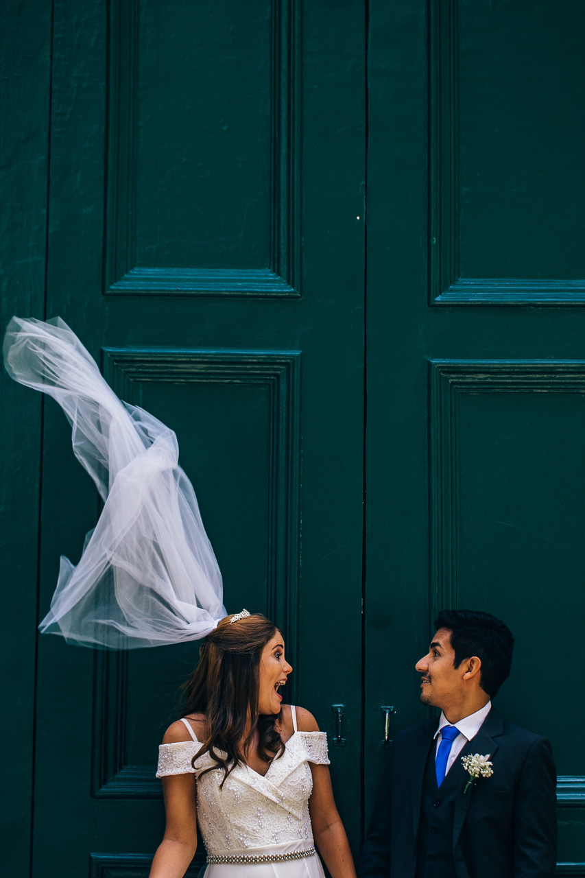 Blown with the wind - Montreal Wedding Photographer