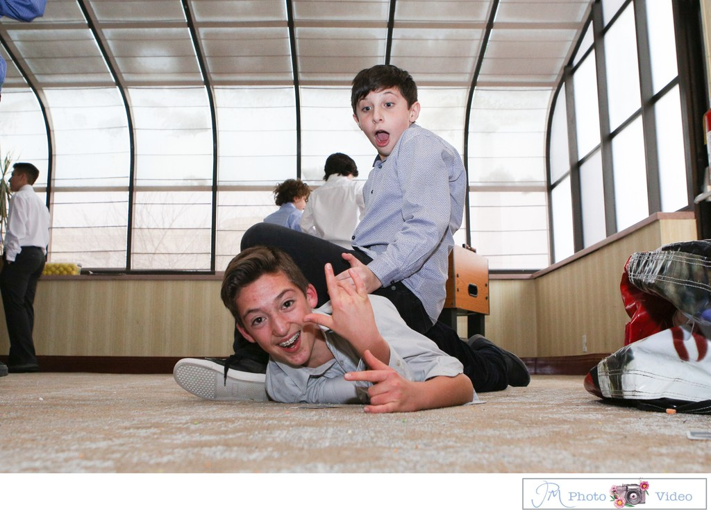 Plainview Holiday Inn Bar Mitzvah Photographer