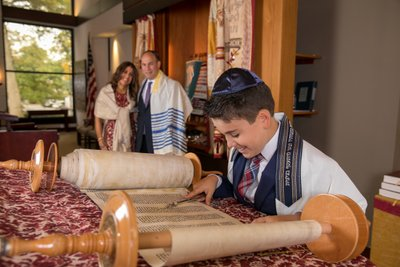 Temple Beth Israel Bar Mitzvah portrait photographer