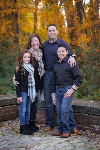 Best fall family portrait photographer